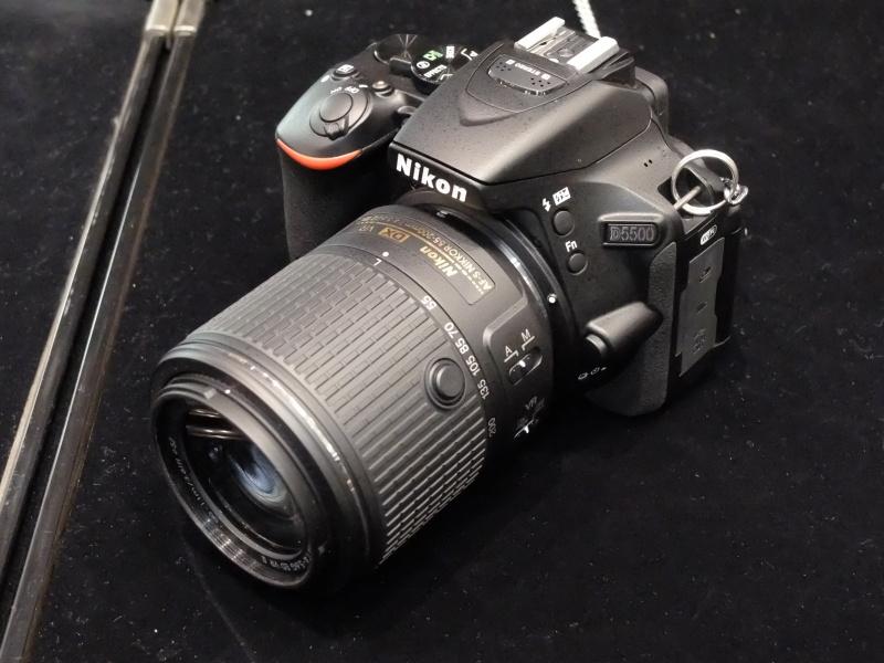 AF-S DX NIKKOR 55-200mm f/4.5-5.6G ED VR II。D5500に装着