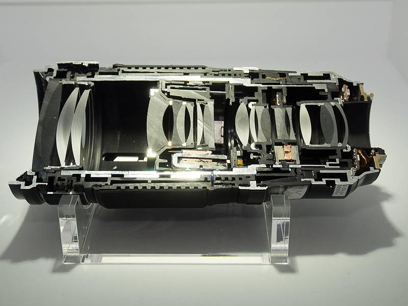 こちらはXF50-140F2.8 R LM OIS WRのカットモデル