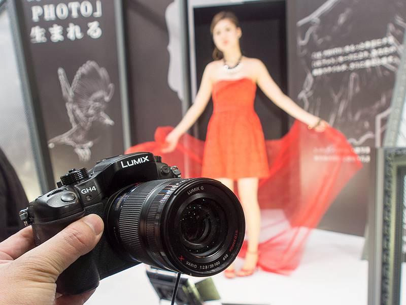 動きのあるモデルを4K PHOTOで撮影するコーナーも