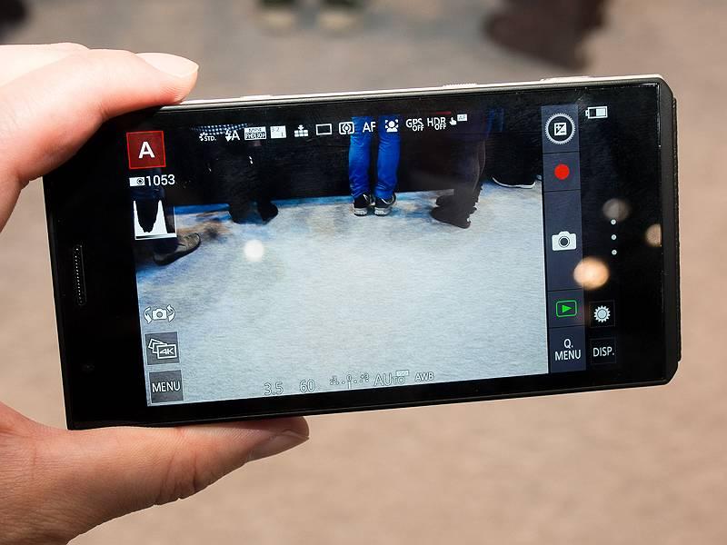 SIMフリーのスマートフォン機能を内蔵した1インチセンター搭載デジタルカメラ
