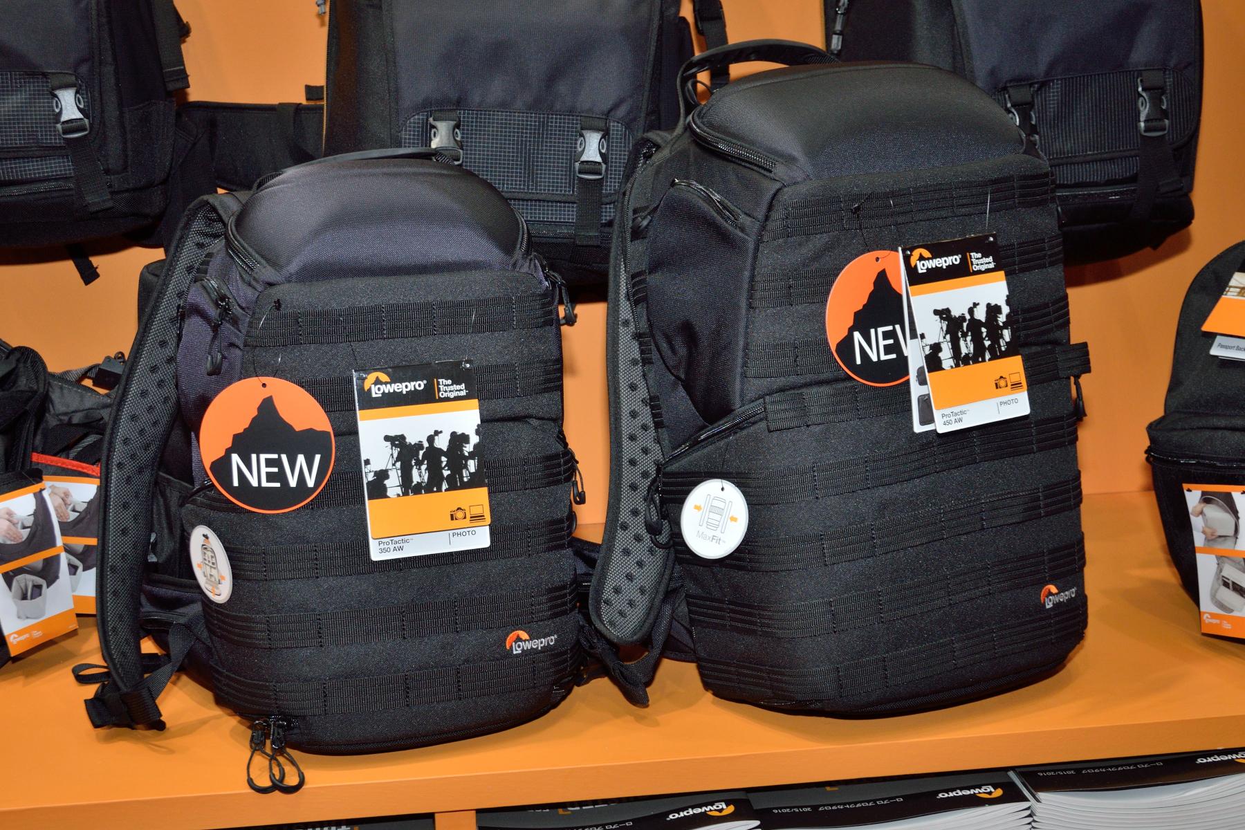 上部と両サイド、背面から内部にアクセス可能な「プロタクティック450AW」(5万7,240円)と「同350AW」(4万6,440円)