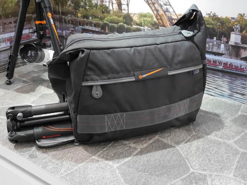 4月からの購入キャンペーには、VEOを収納できるショルダーバッグが付属する
