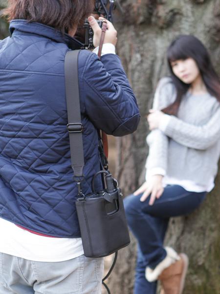 ジェネレーターは肩から掛けられる程小さい