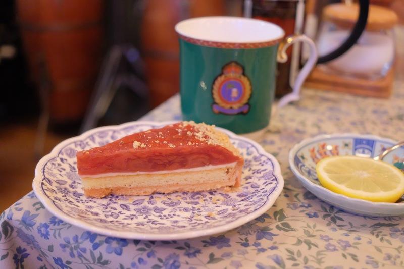 ケーキセットで好きなケーキと飲み物を注文しました。撮影で疲れた体に甘いものは美味しかったですね。