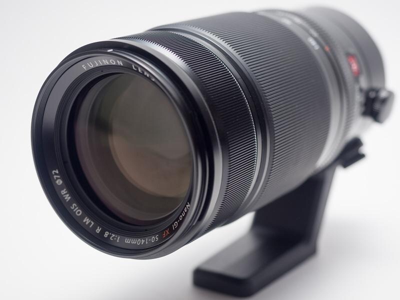 今回はFUJIFILM X-T1で試用した。発売は2014年11月。実勢価格は税込17万1,490円前後