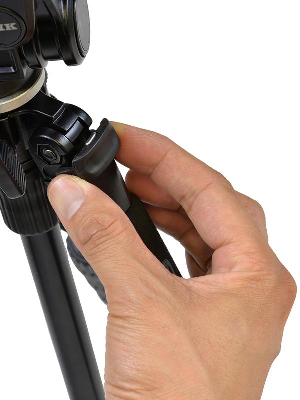 開脚ストッパーにより、開脚角度が3段階で調整できる