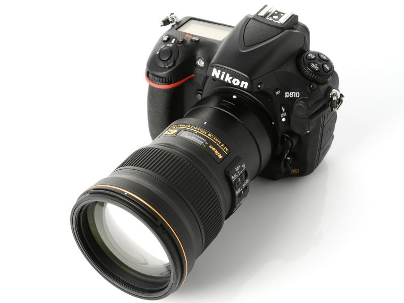 AF-S NIKKOR 24-70mm f/2.8G EDと同じくらいのサイズに収まっている