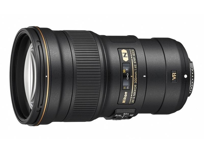 新たに対応したレンズの1つ「AF-S NIKKOR 300mm f/4E PF ED VR」