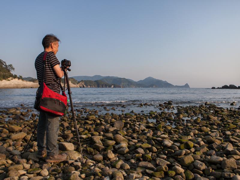 日も傾いてきた頃、西伊豆の堂ヶ島海岸に到着