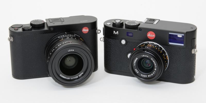 ライカQ(左)とライカM(ライカ エルマリートM f2.8/28mmを装着)。フルサイズでEVFやAF、タッチパネルを搭載している割にはコンパクトだ。