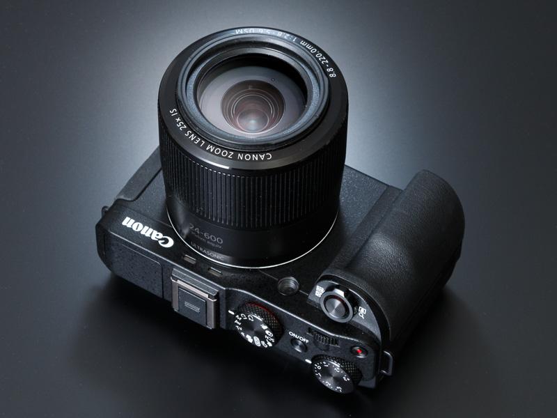 ズーム駆動に独自の「マイクロUSM II」を、フォーカス駆動に光学センサーとリニアアクチュエーターを採用した新設計レンズだ