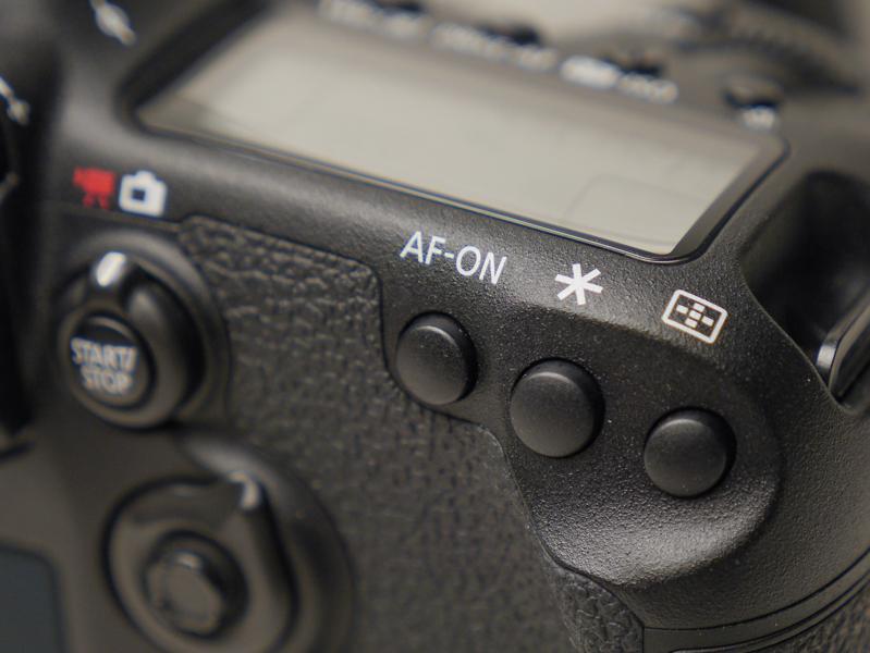 AF-ONボタンにAFモードの切り替えを割り当てている。押している間はワンショットAF、離すとAIサーボに。