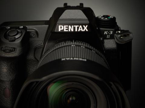 「K-3 II」から読み解くPENTAXの魅力 PENTAXのブランドネームは、一眼レフの魂である「ペンタプリズム」を象徴する。