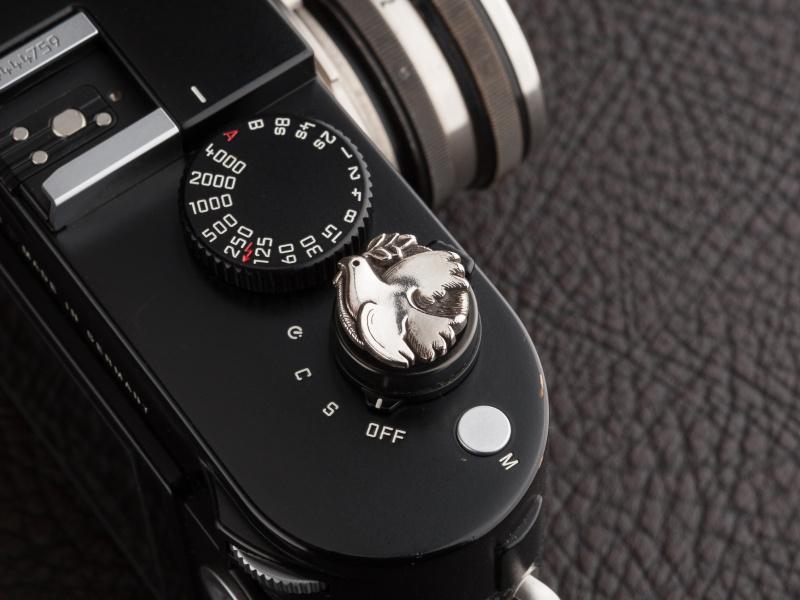 ジェイツジムラのDoveソフトレリーズボタンは税込1万8,360円。シルバー925製だ