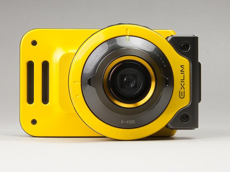 カメラスタイル。ちょっと独特な形状ではあるが、使い方としては普通のカメラ