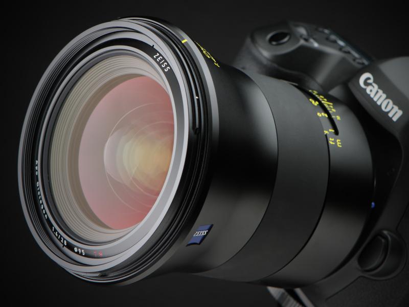 今回はEOS 5Ds Rで試用した。発売は3月24日。メーカー希望小売価格は税別62万9,000円