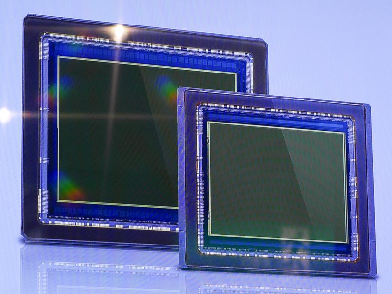 H6D-100c(奥)とH6D-50c(手前)のセンサー