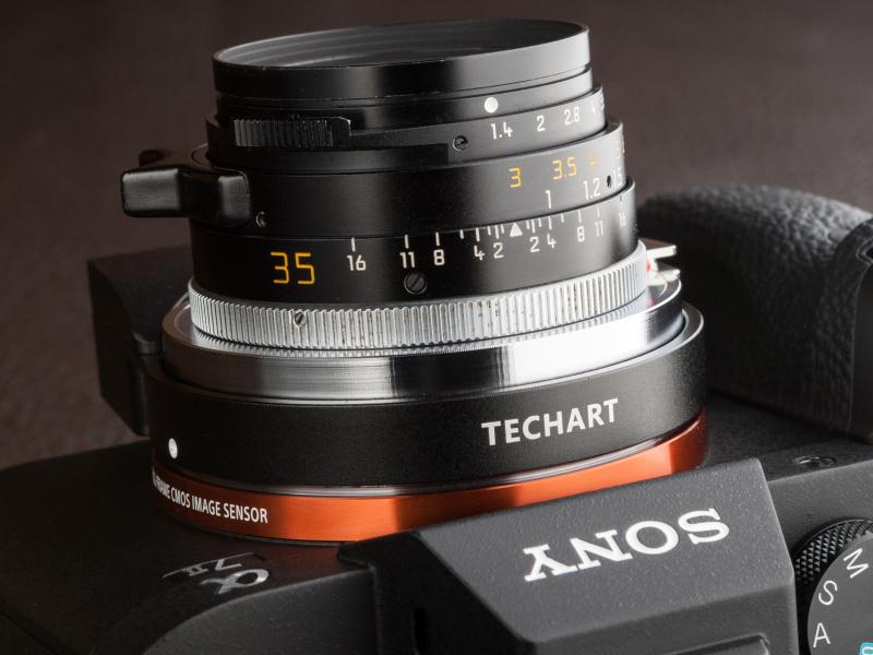ピントリングを最短にセットすると、レンズの最短撮影距離よりも短い距離で近接AF撮影が可能だ。ライカMレンズでテーブルフォトを手軽に楽しめる
