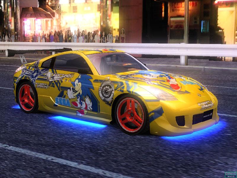 セガの有名キャラクターも続々登場。ゲーム中に登場するソニックカーは、カリスマショップ、アートファクトリーが実車に描いたものと同じ絵柄だ