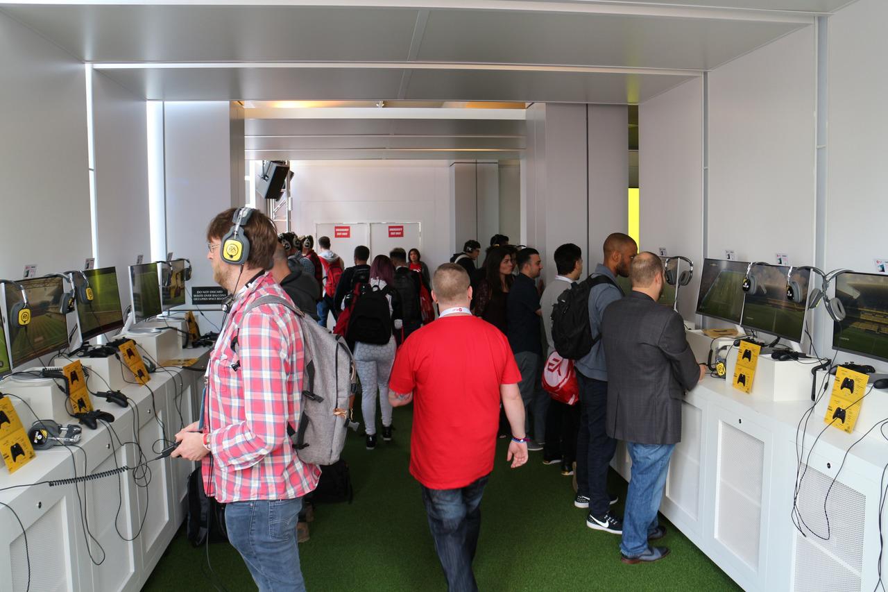 EA Play会場、「FIFA 17」試遊コーナー