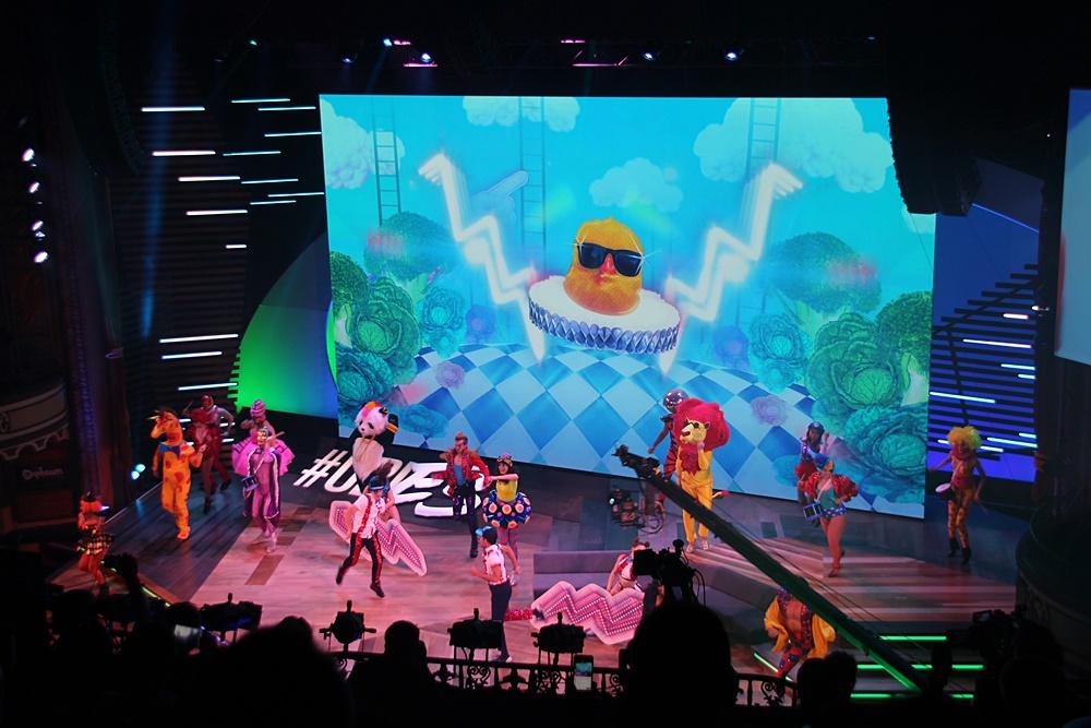 カンファレンスのオープニングで登場。ダンサーが本作の派手な世界を表現していた。Nintendoの新型ハード「NX」を含むすべてのプラットフォームで今秋発売される予定