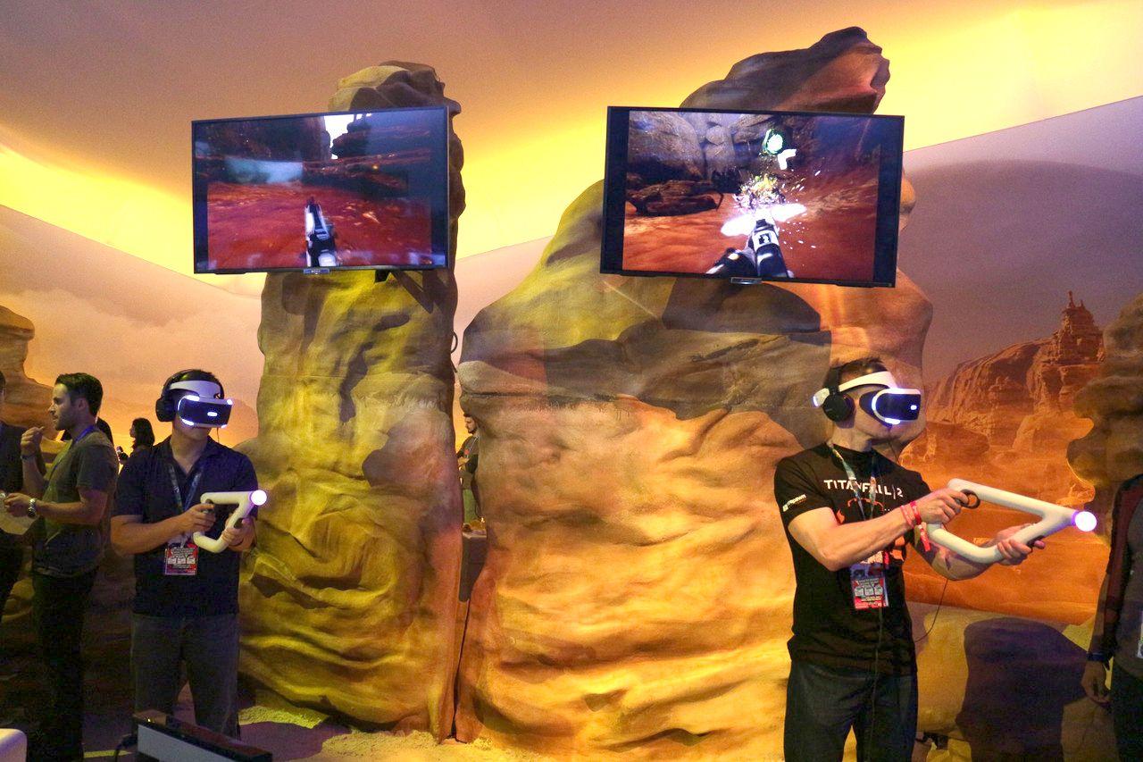 新発表のガン型VRコントローラーを使う「Farpoint」