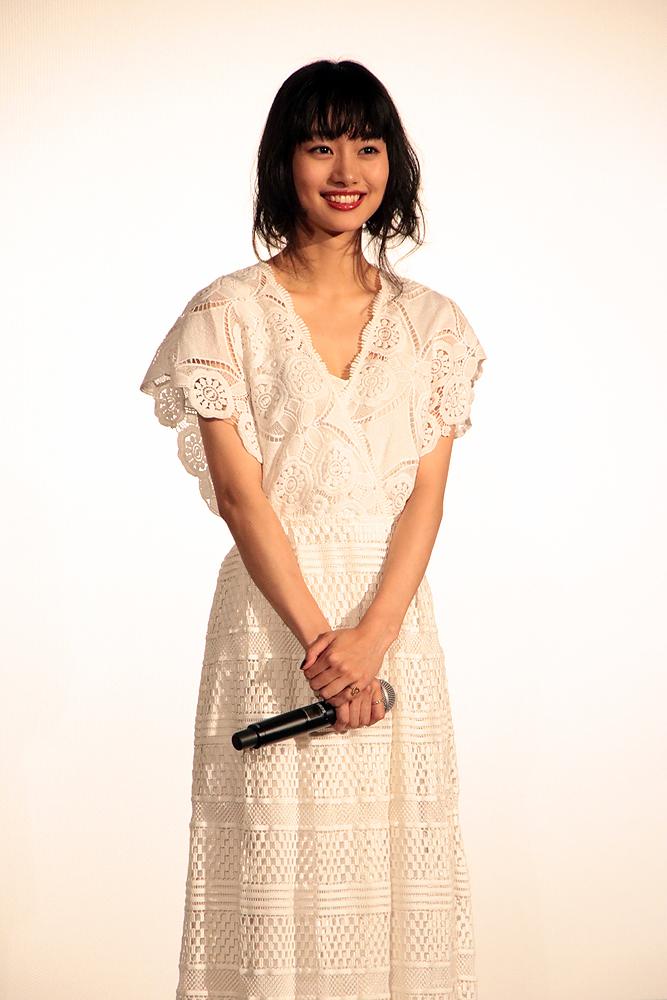 忽那さんが収録が終りたまたま廊下に出ると綾野さんとばったり。汗だくになった綾野さんを見てビックリしたとか