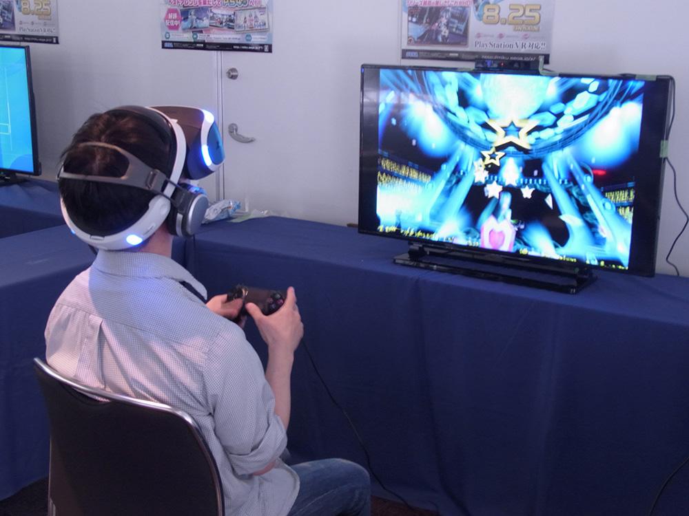 世界初出展となる「初音ミク VR フューチャーライブ」のデモ版。PS VRを一足早く体験できるという意味でも注目を集めていた
