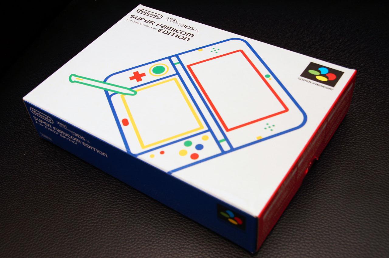 受注販売の「Newニンテンドー3DS LL スーパーファミコン エディション」が届きました!パッケージも本体のカラーリングもいい感じのスーファミ仕様です。LLでも4色のボタンカラーがなんとも嬉しいですね