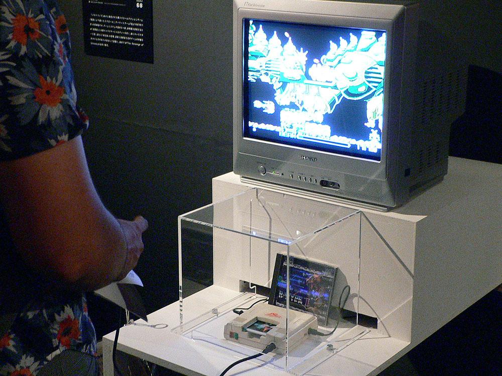 PCエンジン:壁などを反射して飛んでいく反射レーザー、自機からいつでも分離・合体ができるフォースなど、ユニークなアイデアを多数盛り込んだシューティングゲームの「R-TYPE I」(1987年、アイレム)