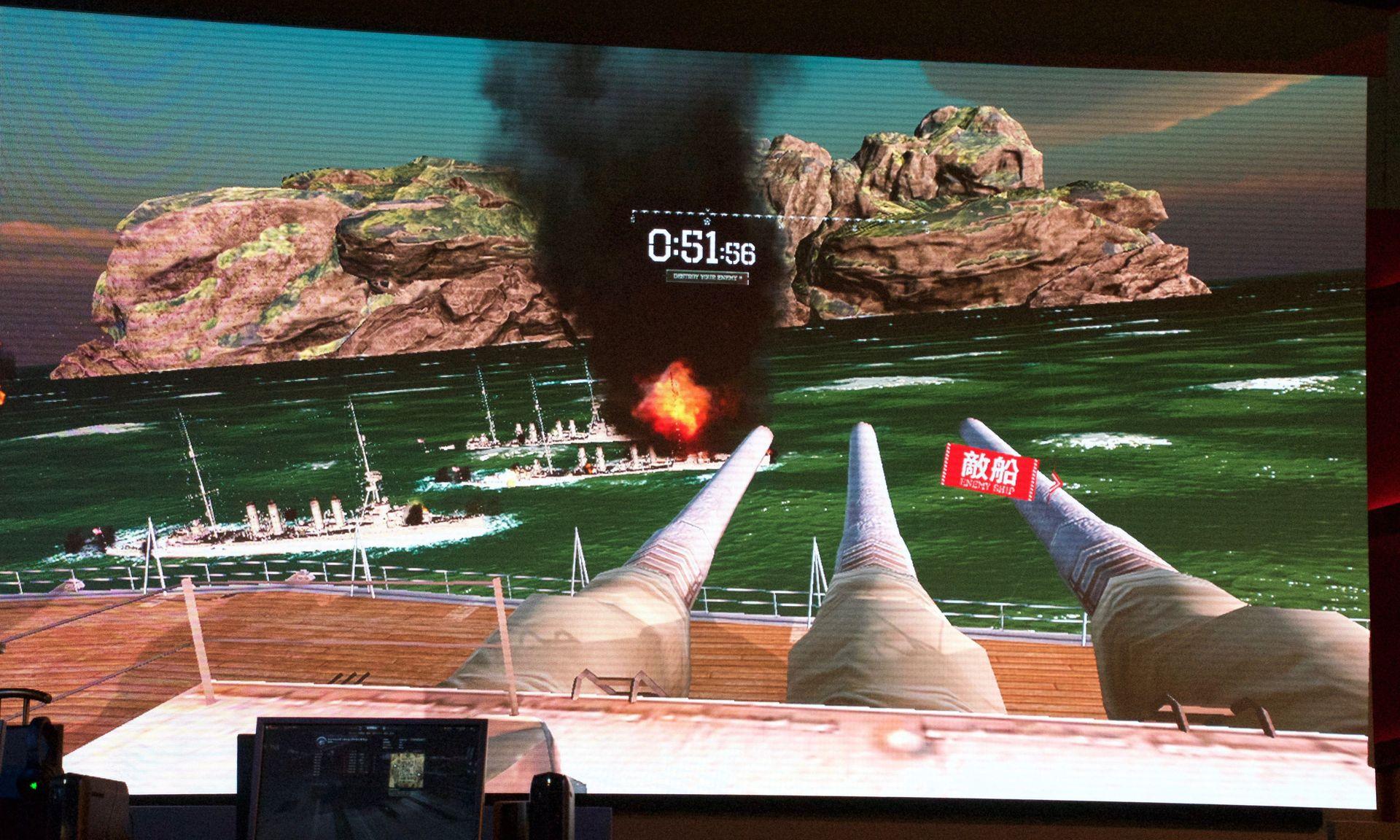 「World of Warships」をVR(HTC Vive)で体験できるブースも登場。大和の主砲を連射するだけの特別版だが、迫力と爽快感は最強!