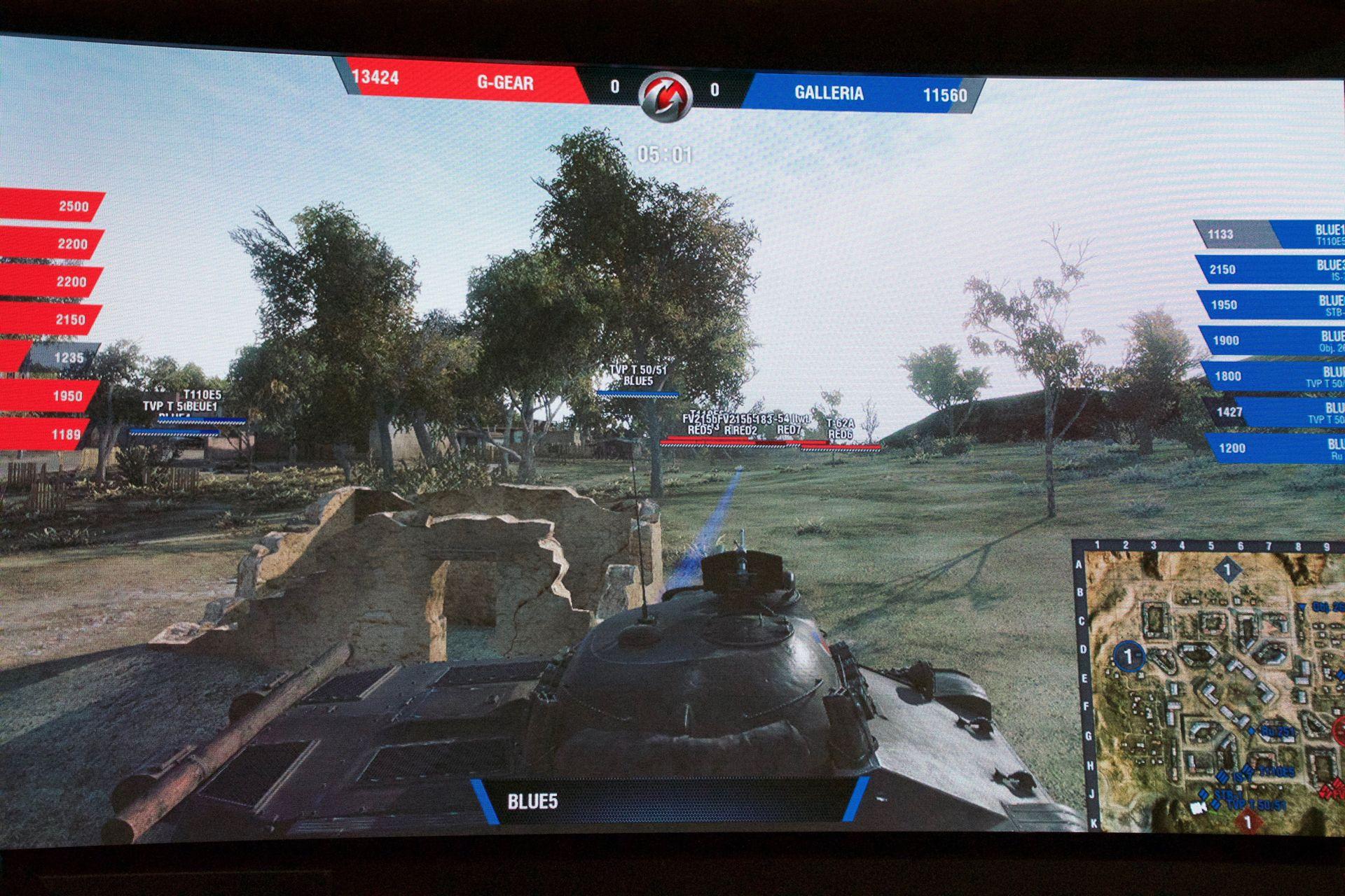 GALLERIAチームの突破口を開いたのがTVP T 50/51というチェコのTier 10戦車。4連射できる砲を華麗に当てていた