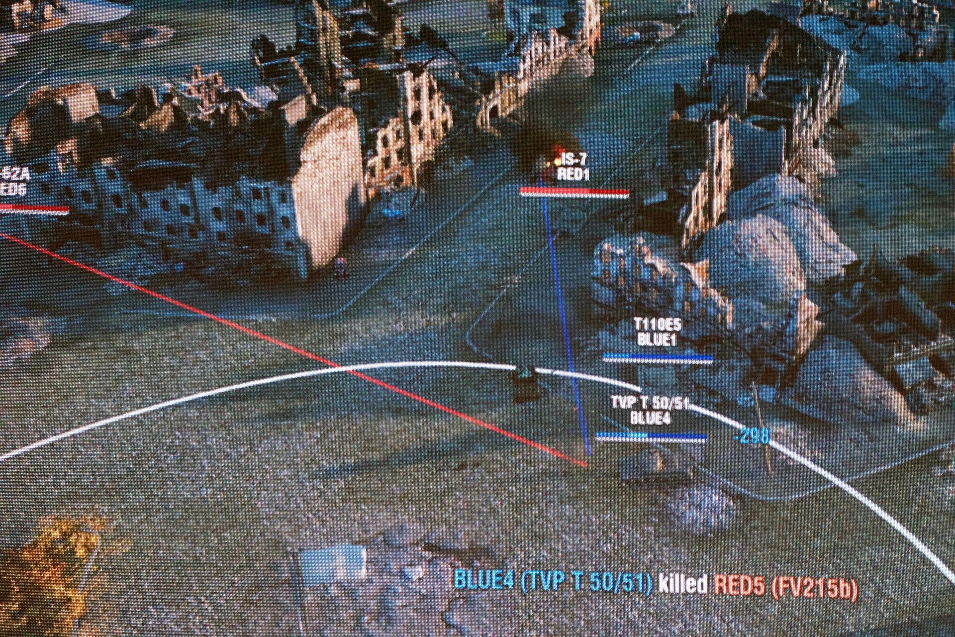 この試合でも猛威を奮ったのがTVP T 50/51。市街地での戦いでも、装甲の厚いT110E5を盾にして4連射で確実にダメージを与える戦い方が効果的に働いた