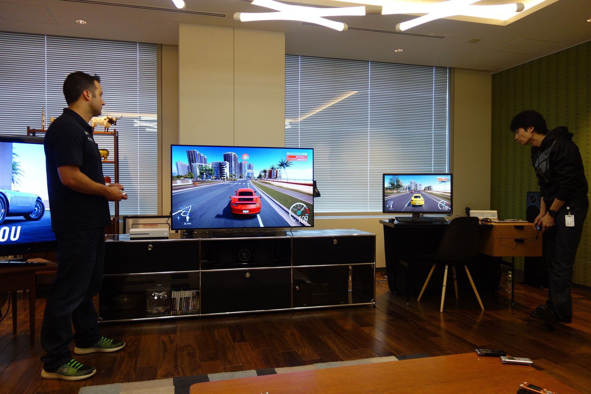 Windows 10 PCとXbox Oneによるクロスプラットフォームプレイのデモ
