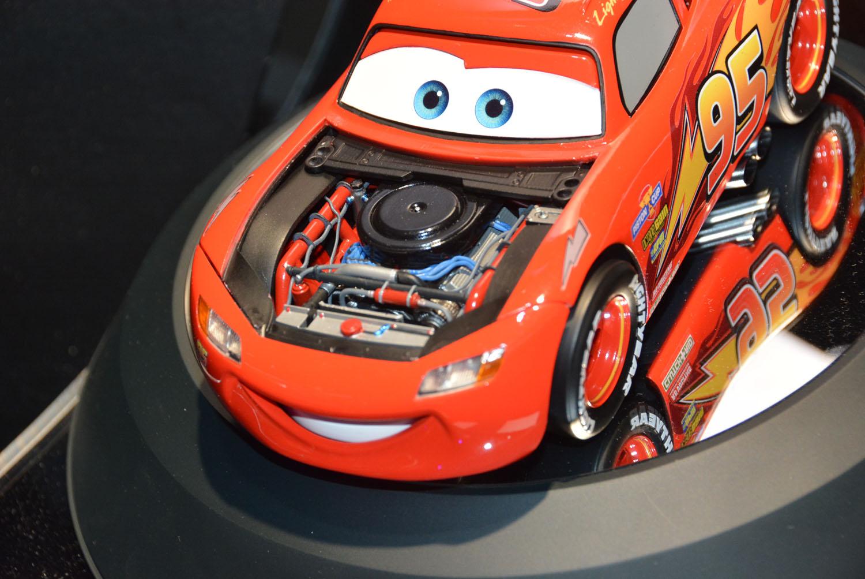 「超合金 Cars LIGHTNING McQUEEN」はかなりリッチさを感じさせる商品だ