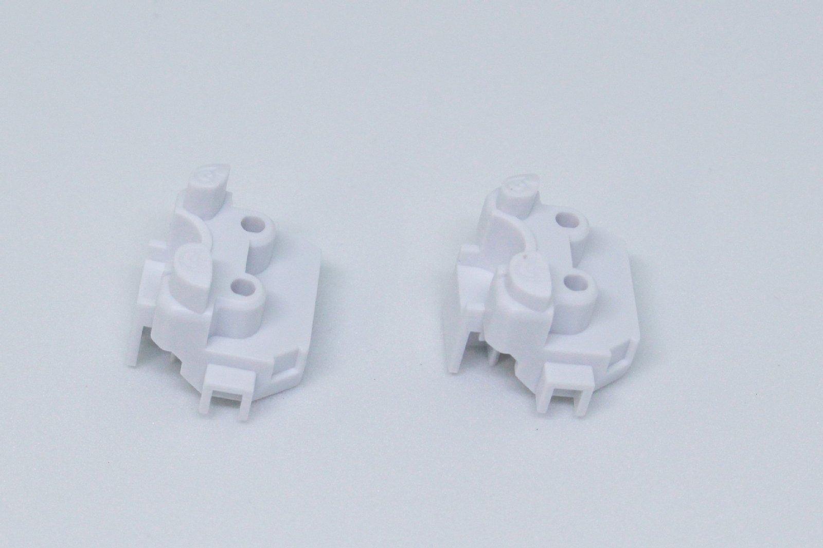 瞳のパーツは長いもの(左)と短いもの(右)がある。クリアパーツを使う場合は右を使う