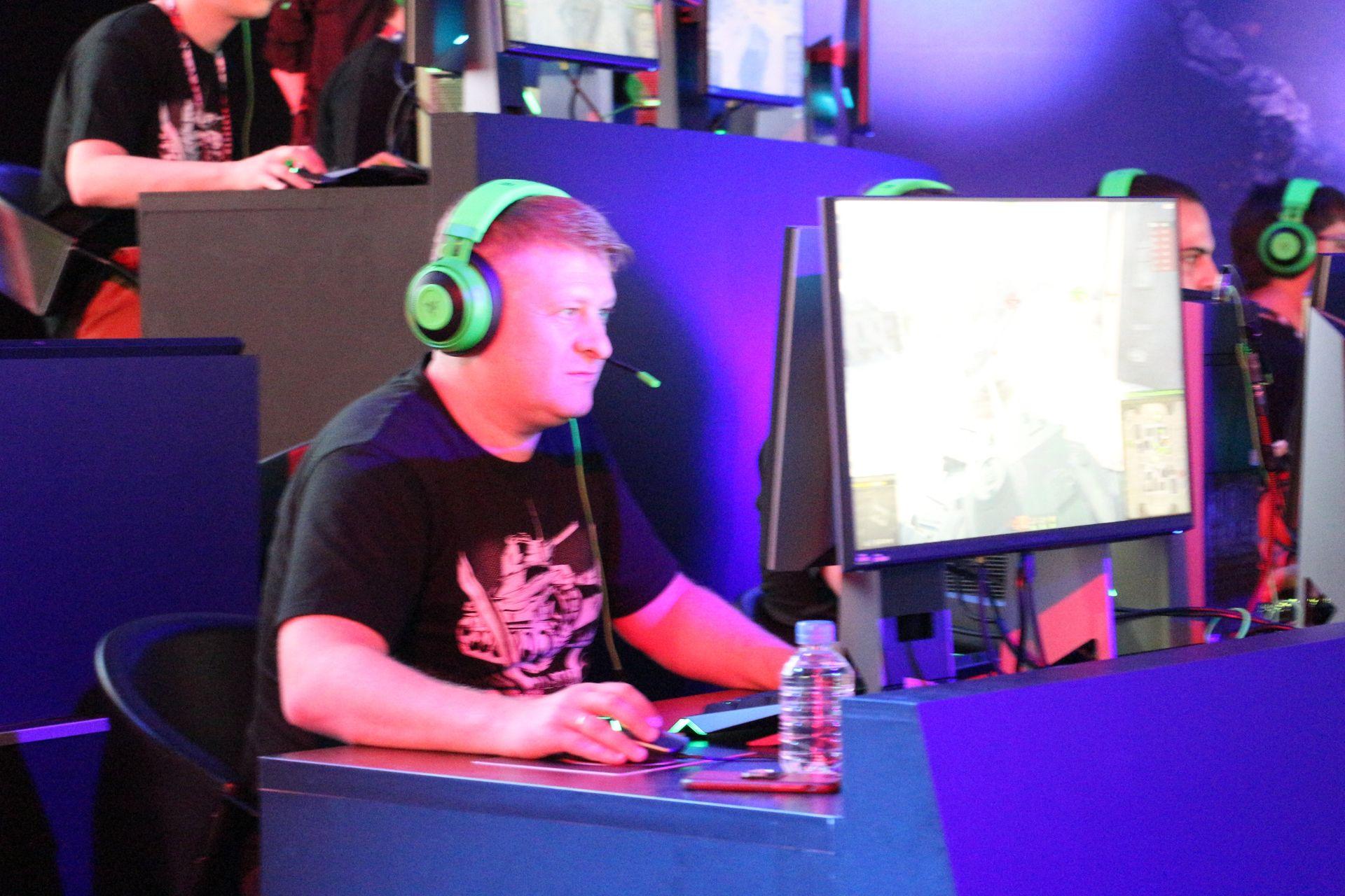 ゲーム好きを公言するKislyi氏。TGSの定番イベントである各種対抗戦では、Wargamingチームのリーダーとして出場している