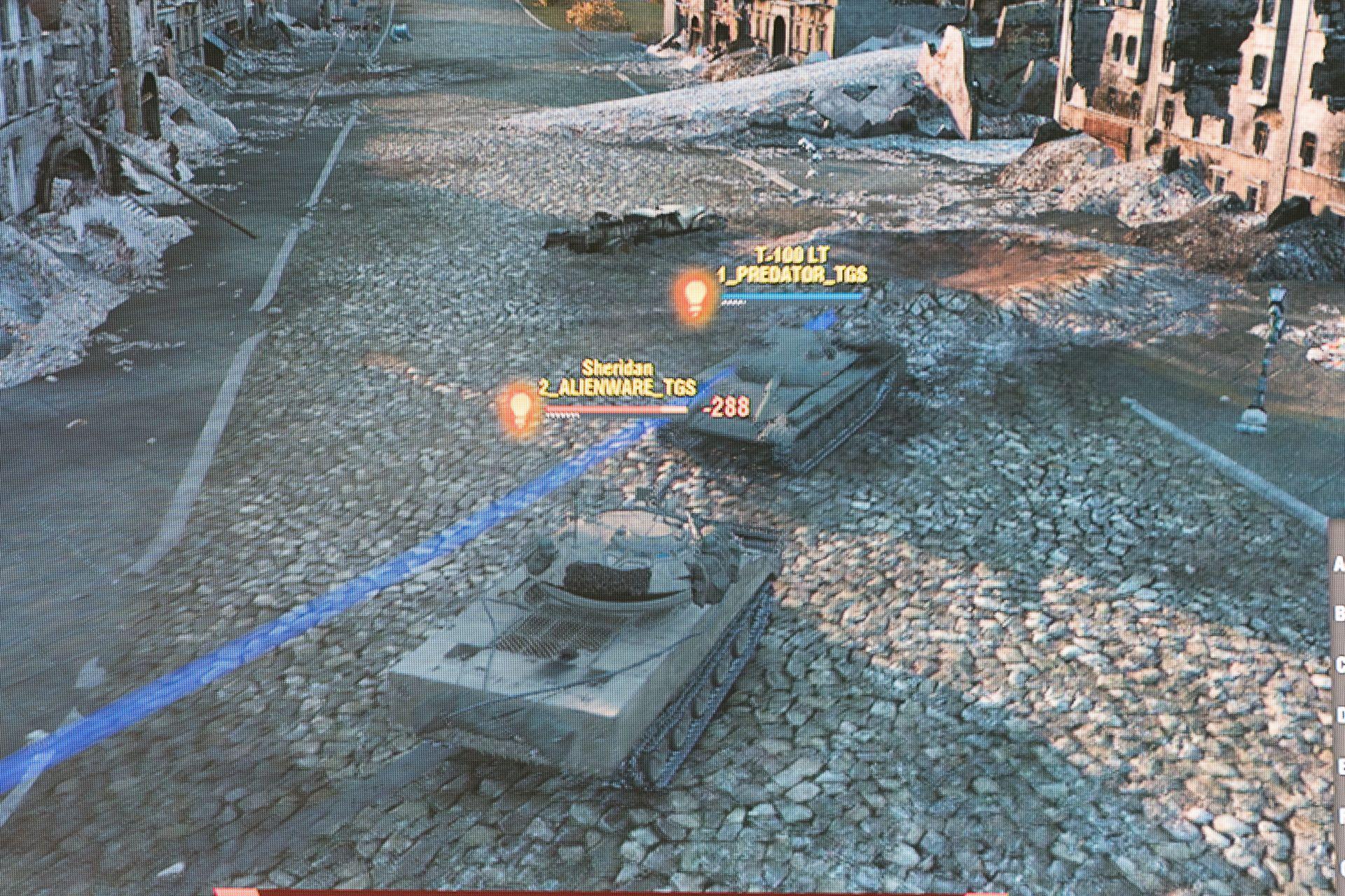 偵察メインの軽戦車が街中でばったり出会い、白熱したチェイスを展開。これに攻撃側が過剰に反応し、ALIENWARE側のMausがピンチに陥ったことも……