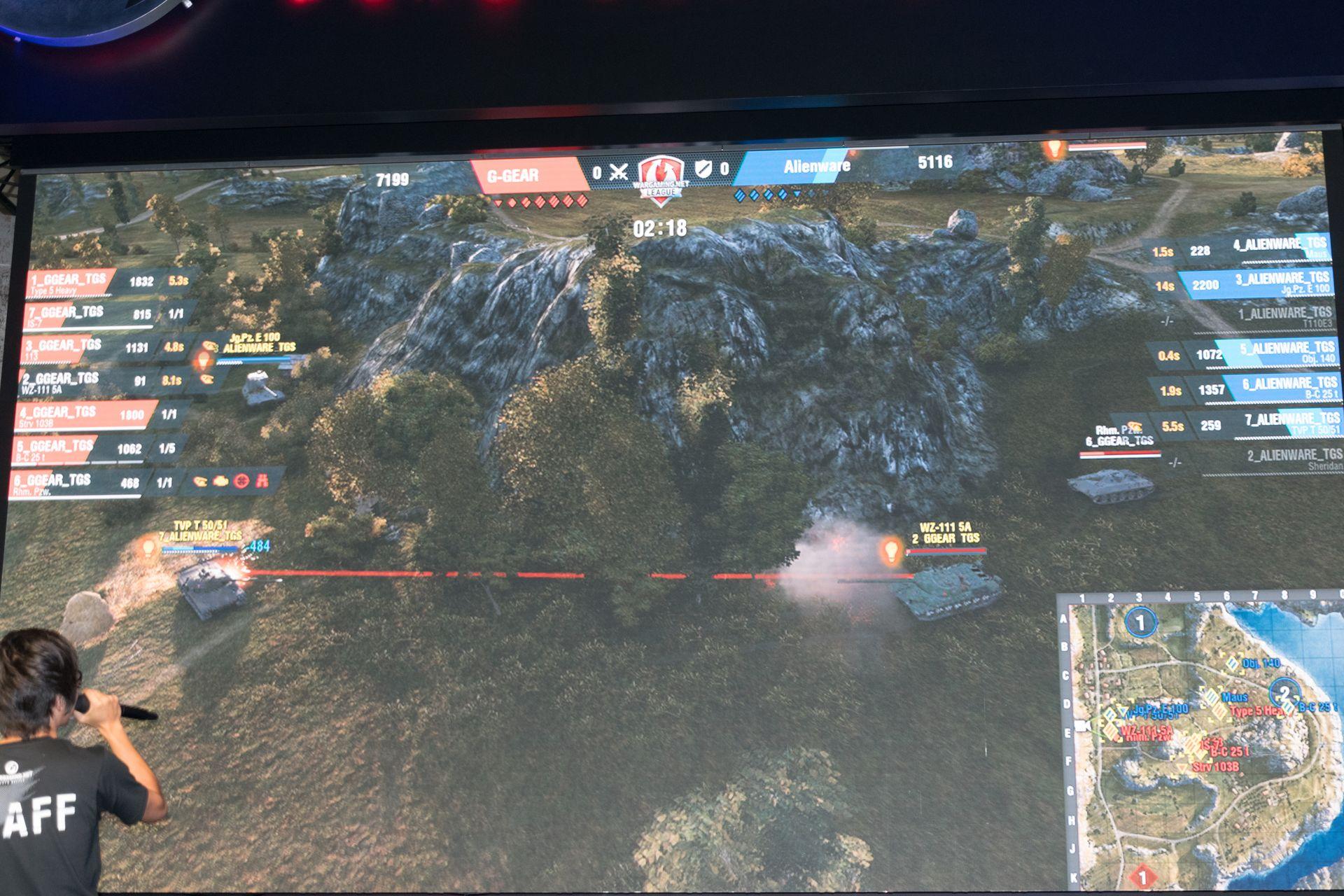 G-Gearのプレイヤースキルは高く、この程度の遠距離でも視線が通れば通行量とばかりにすかさず命中弾を送り込む。さらに隙を見せれば裏回りからのバックアタックなど、戦術の引き出しと連携が非常に良い