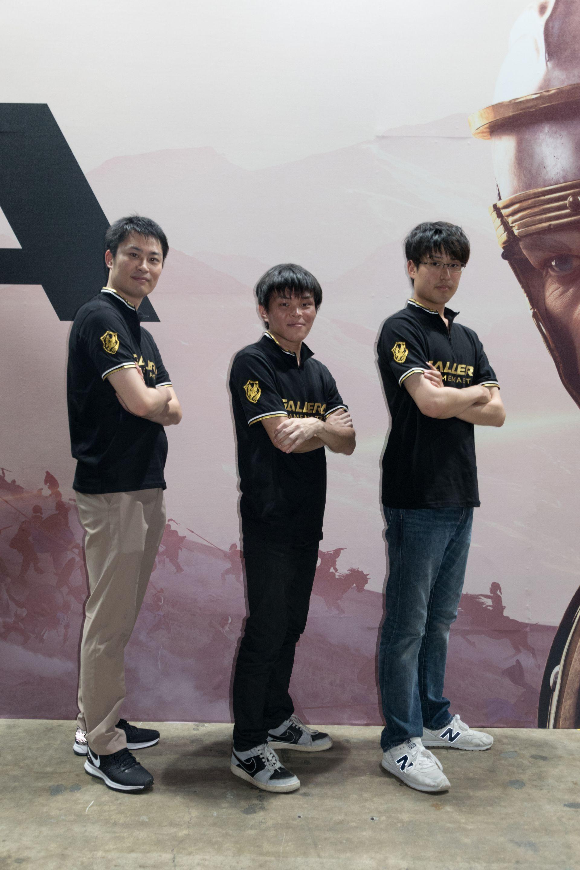 チームGALLERIAの母体であるサードウェーブデジノスがサポート契約を結んでいる「World of Tanks」のプロゲーマー3名。左からmoudame選手、xenlon選手、Aki00v選手(いずれもCaten Tiger所属)