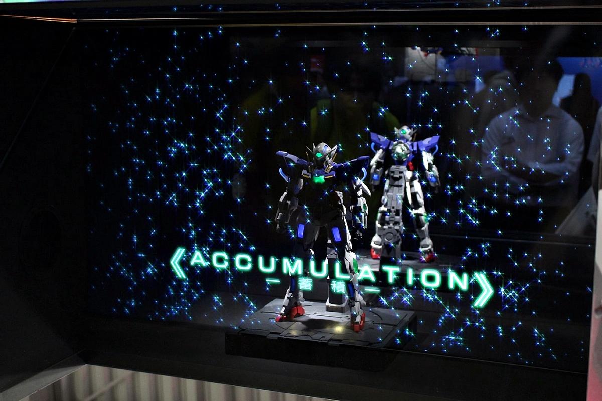 プロジェクションマッピングによる演出展示では、独自の発光演出を確認できる