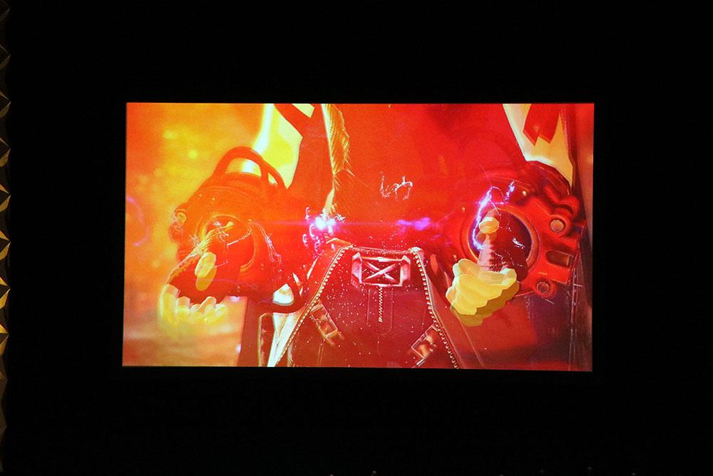 会場では「GOD EATER 3」の「1st Trailer」が上映されると大きな拍手が巻き起こった。ラストに向けラッシュのように流されるカットからは様々な新要素が読み取れる
