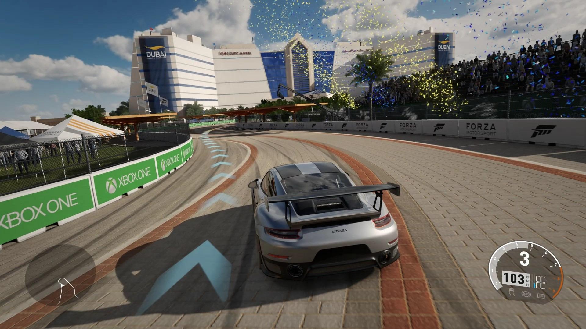 オープニング直後に走ることになる「Porsche GT2 RS」