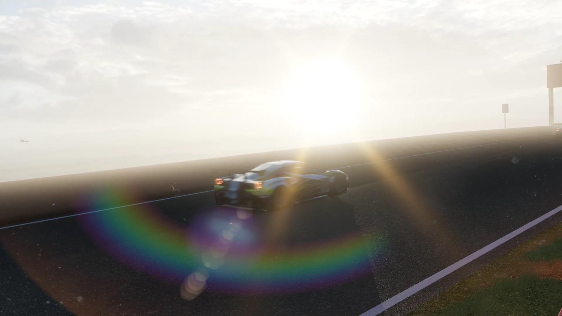 マウントパノラマにて、西日を受けた風景。HDR対応ディスプレイならさらに劇的な絵を楽しめる