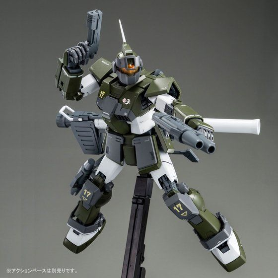 最新のキットならではの幅広い可動範囲と、豊富な武装がうれしい