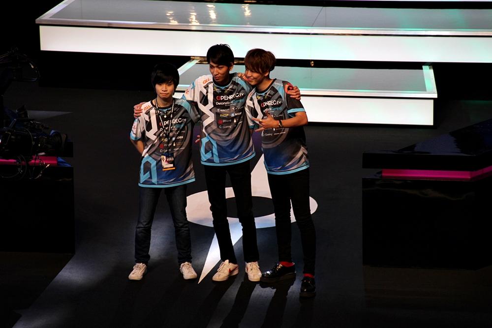 DetonatioN Gamingの選手たち。左からViViQIZ選手、tatuki217選手、ViViRoyaL選手
