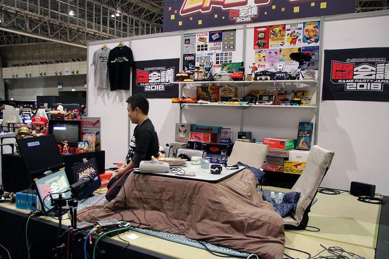 古いゲーム機や懐かしの周辺機器が置かれた夢のような部屋を再現!