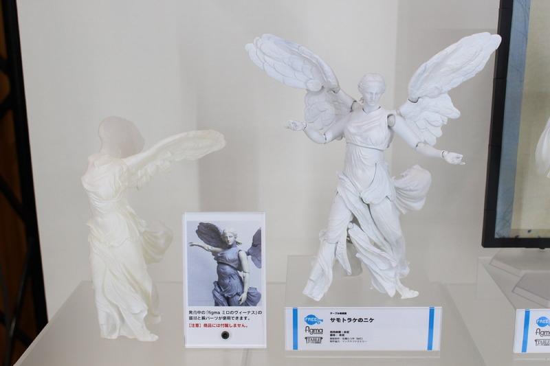 「テーブル美術館 サモトラケのニケ」。発売中の「ミロのヴィーナス」の腕と頭部を使用して全身を再現できる