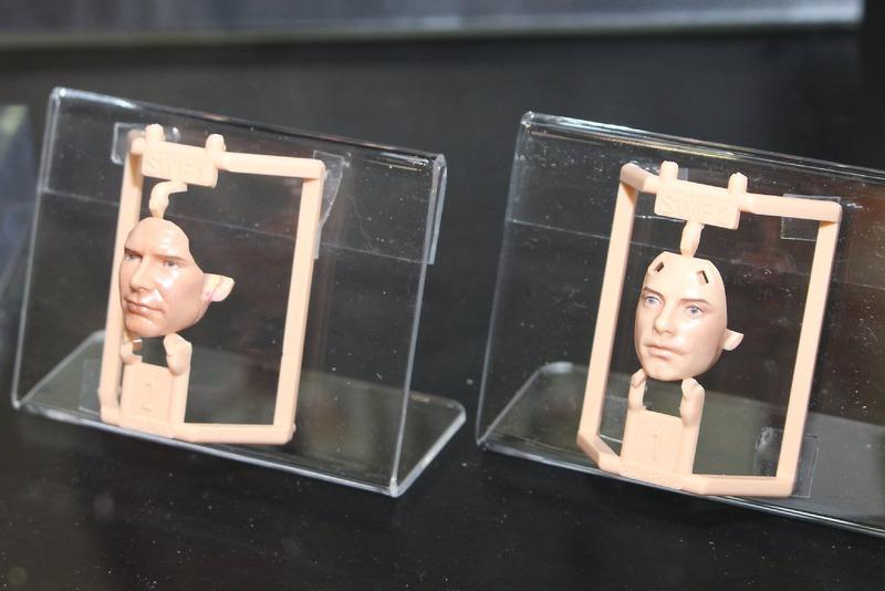 こちらが製品版に近い状態の顔パーツ。組み立てるだけで表情豊かなフィギュアが完成