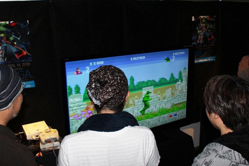 BGVとして流されていたセガのゲームをプレイする人も